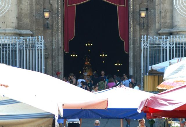 Catania Piazza Carlo Alberto - Solenni festeggiamenti in onore della Madonna del Carmine