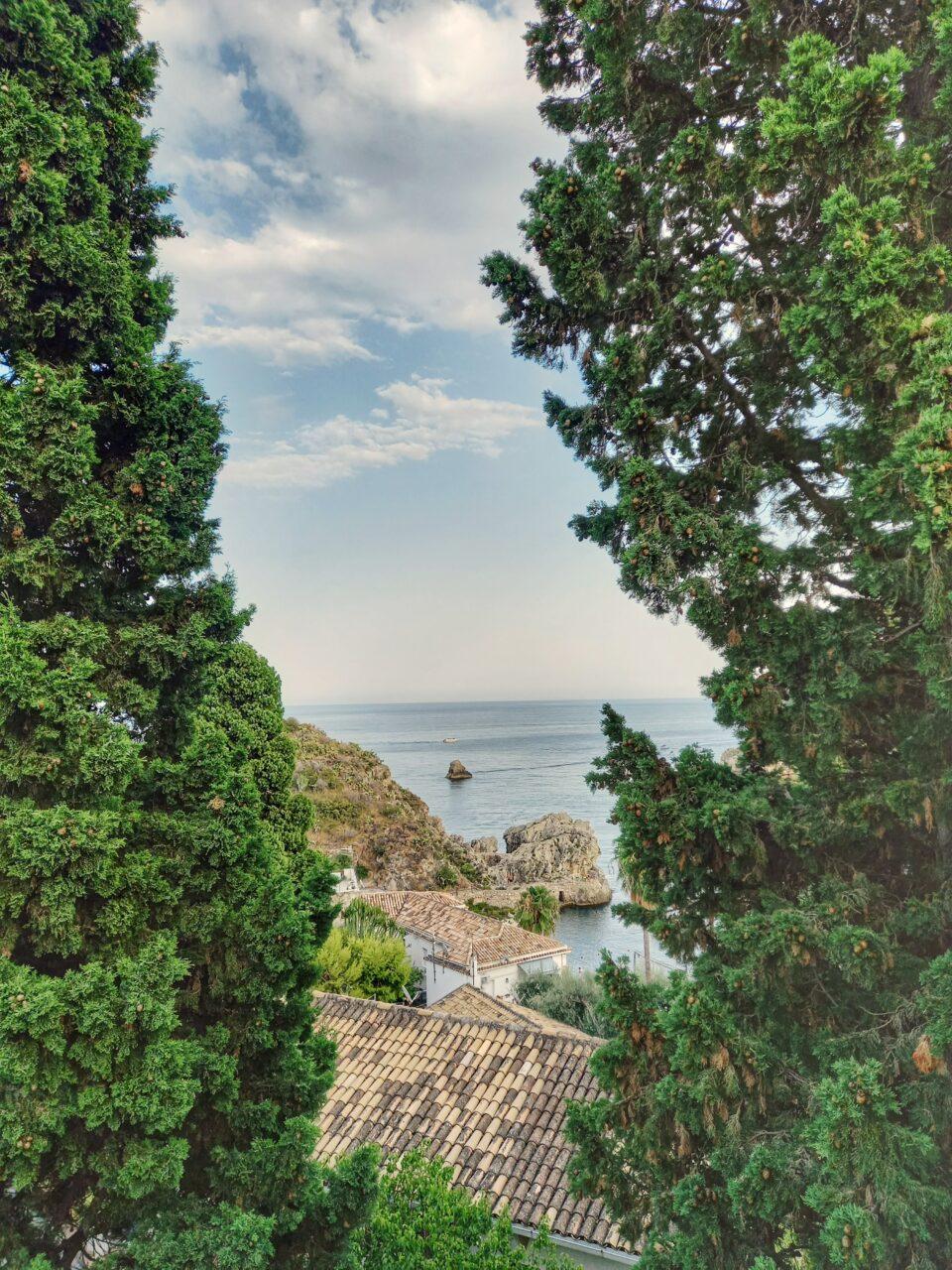 Ci sono luoghi che fanno Immaginare l'origine del suono. Taormina needs love